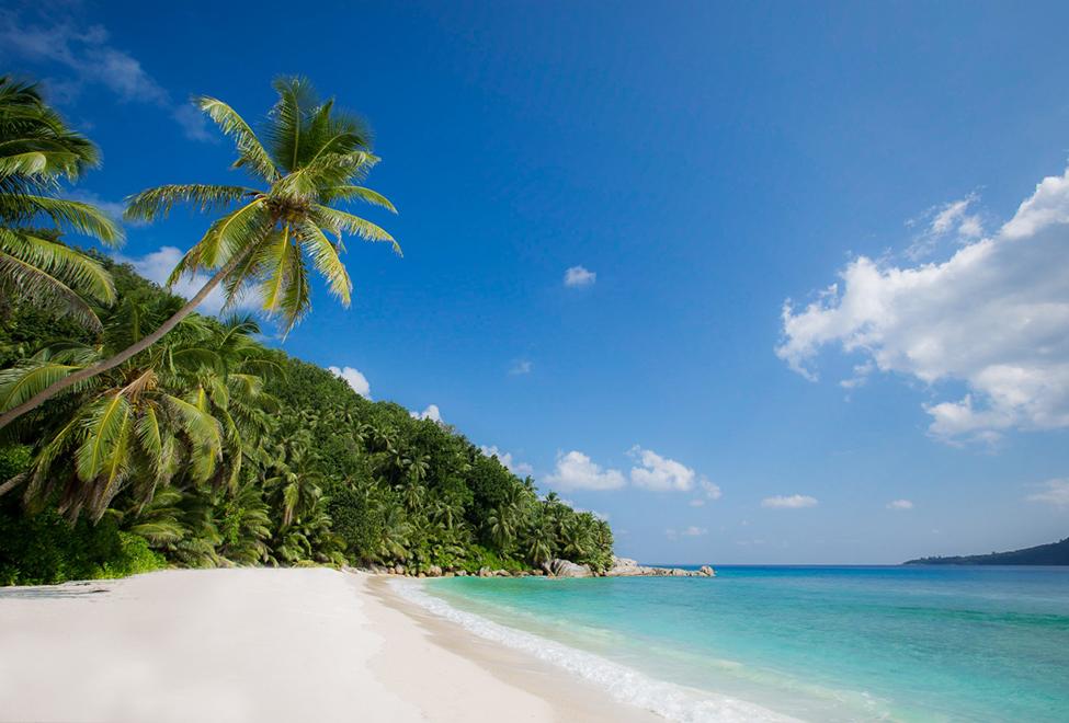 975x660_grand_anse_beach1_140x87
